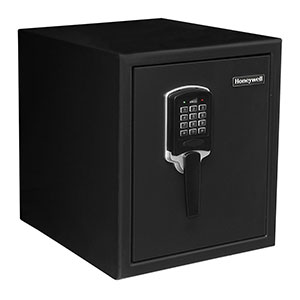 Honeywell 2605 Waterproof 2 Hour UL Fire and Security Safe (0.9 cu ft.)